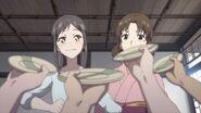 Hanasaku-Iroha-07-Minko-happy