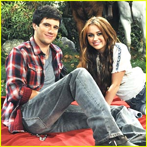 File:Miley-cyrus-drew-roy-date.jpg