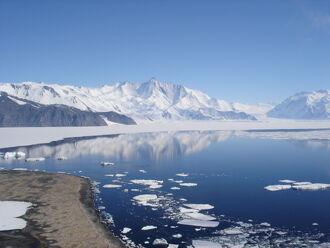 Mt Herschel, Antarctica, Jan 2006