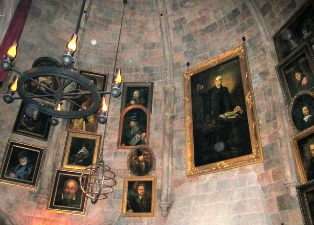 File:Dumbledore's office portraits.jpg