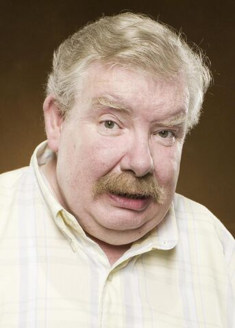 File:Vernon Dursley.jpg
