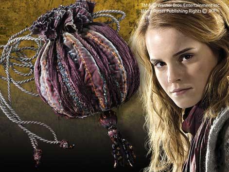 File:Hermione bag.jpg