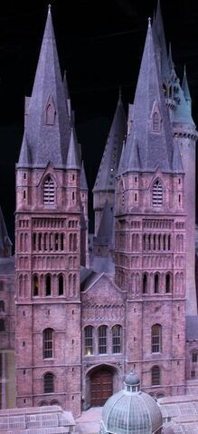 File:Copy of Harry-Potter-Studio-Tour-Hogwarts-Model-HeyUGuys-48.jpg