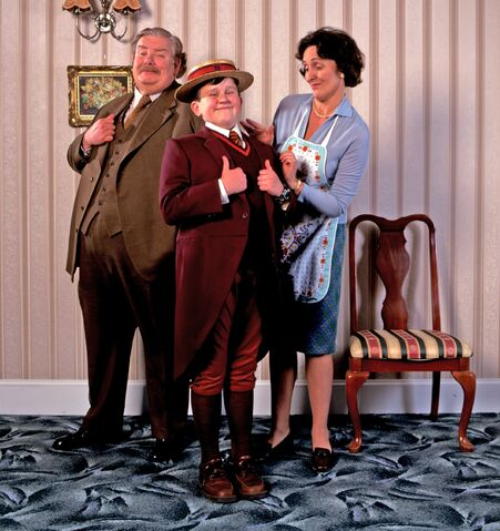 File:Dursley family (Promotional photo).jpg