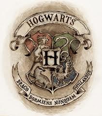 File:Hogwarts school crest 2.jpg