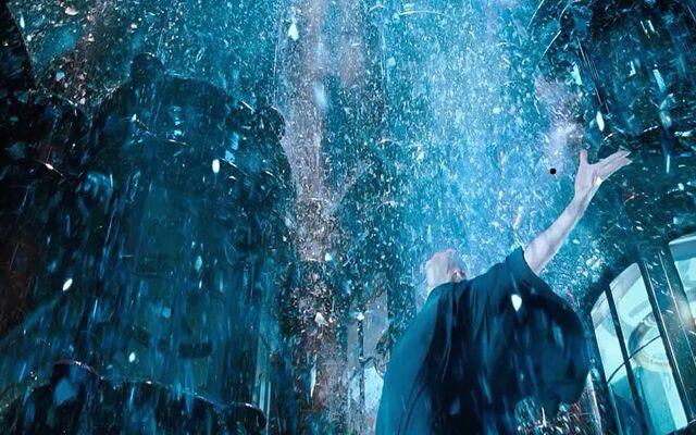 File:Voldemort smashing glass.jpg
