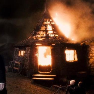 File:Incendio Hut.jpg
