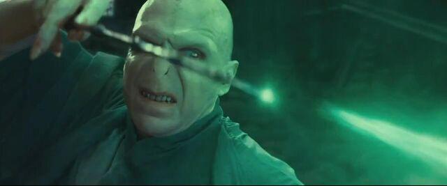 File:Voldemort final duel.jpg
