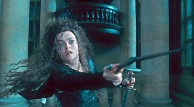 File:Bellatrix Lestrange holding the Godric Gryffindor's sword.jpg