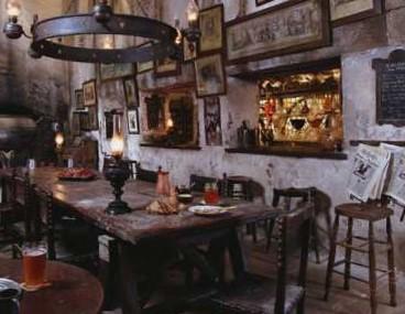 Bestand:Leakycauldron.jpg