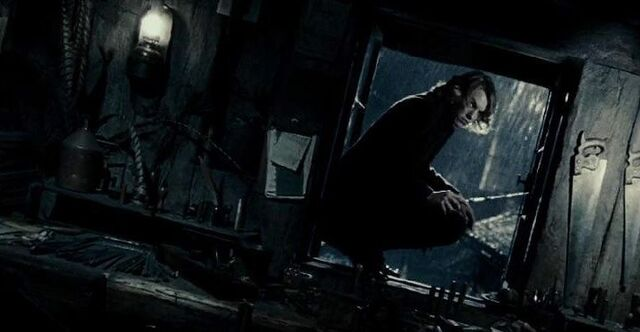 File:Young Grindelwald - window ledge.JPG