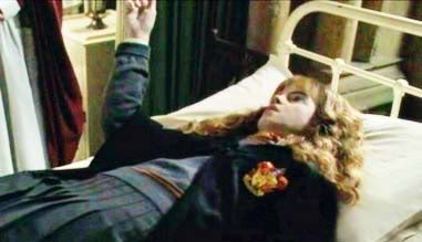 File:Hermione petrified.png