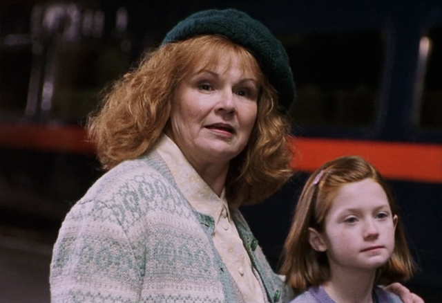 File:Ginny and Molly.png