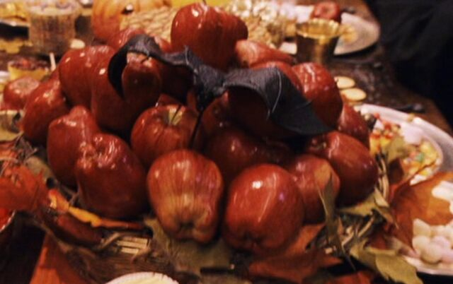 File:Red apples.jpg