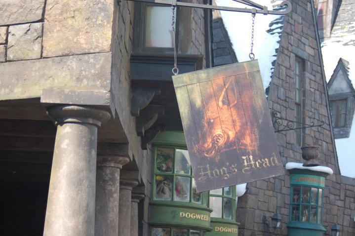Datei:Hogs Head Sign.jpg