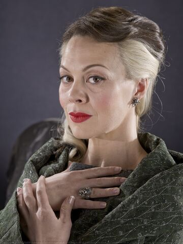 File:Narcissa-promo-pics-lucius-and-narcissa-malfoy-28195472-1400-1867.jpg