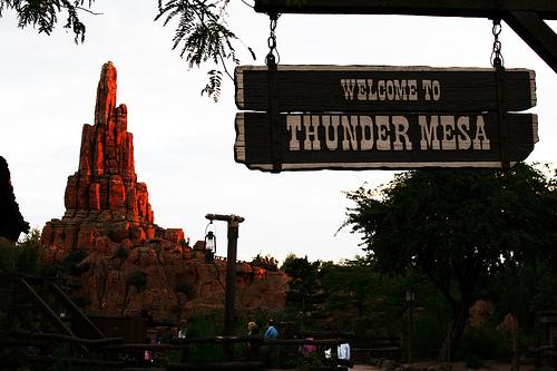 File:Big Thunder Mountain - Disneyland Paris.jpg