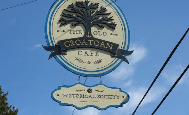 File:Croatoan cafe sign.jpg