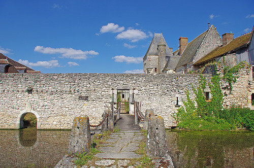 File:Chémery (Loir-et-Cher).jpg
