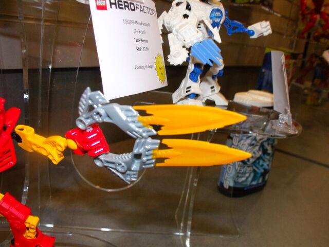 File:Toy fair 500.jpg