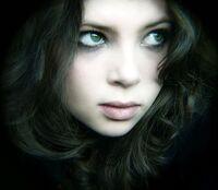 Beautiful,girl,dark,hair,green,eyes,beauty,eyes,girl-32bcb7c5a7bf1157b4822ad8d0ab30c9 h