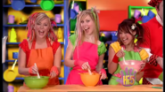 Girls Hey What's Cooking 2