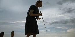 Arya esconde a Aguja HBO.jpg