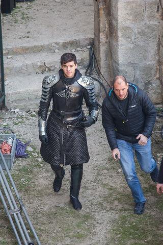 Archivo:Cersei-Kingsguard-Armor-Season-7.jpg