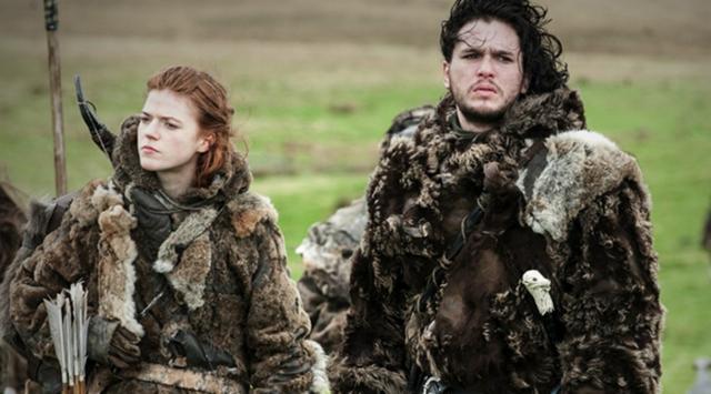 Archivo:Ygritte y Jon con los salvajes HBO.jpg