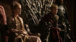 Cersei como reina regente HBO.jpg