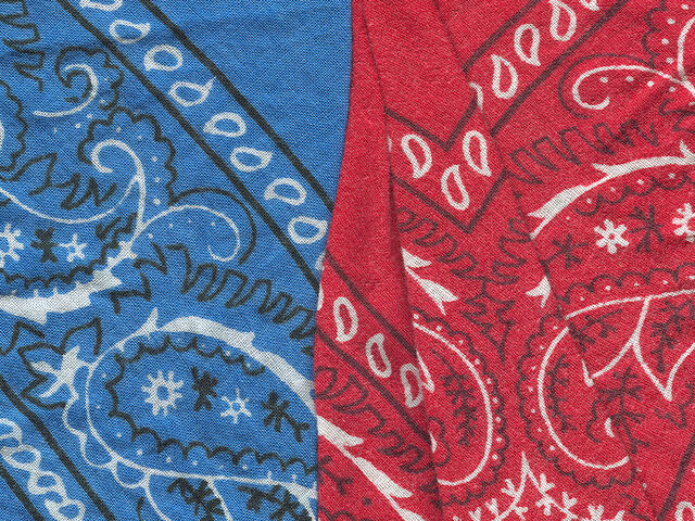 File:Red and blue bandannas.jpg