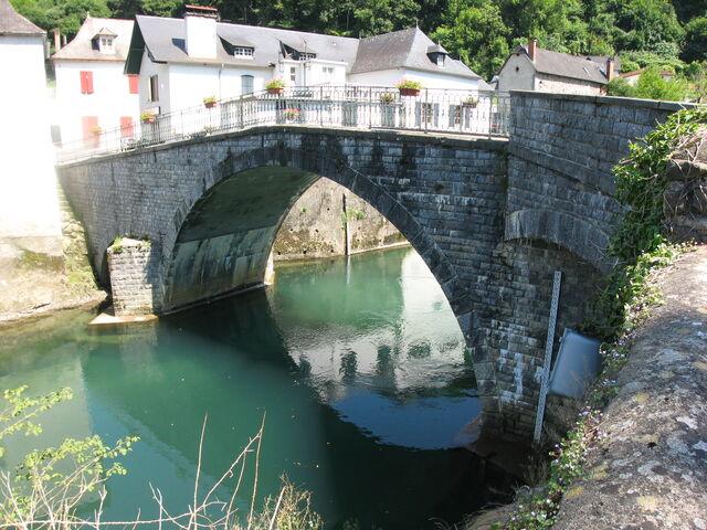 File:Laminak Bridge Licq.jpg
