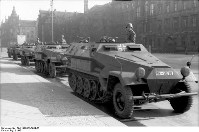 File:Vehicle sdkfz251 94.jpg