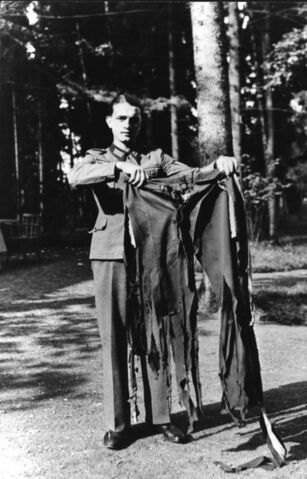 File:Bundesarchiv Bild 146-1972-025-64, Hitler's pants - Attentat, 20. July 1944.jpg