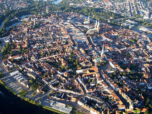 File:800px-Lubeck panorama.jpg