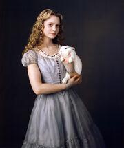 Alice-mia-wasikowska-in-alice-in-wonderland vf
