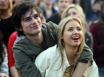File:Maddy and josh.PNG