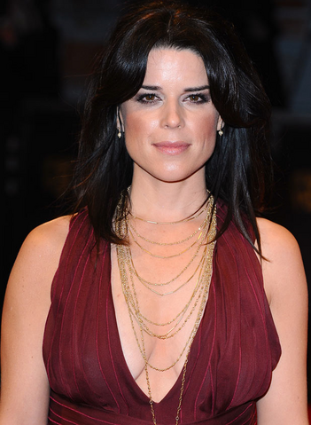 File:Neve Campbell.png