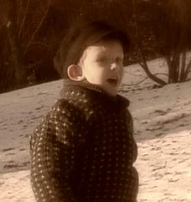 Fil:Hugo Anker-Hansen jr som barn.png