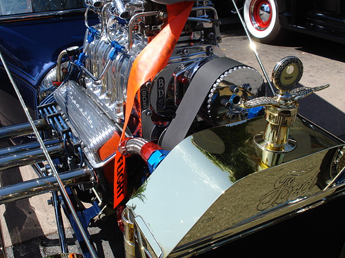 File:Corvette engine in a Ford T-Bucket.jpg