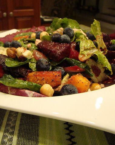 File:Warm Beet Salad with Toasted Hazelnut & Blueberry.jpg