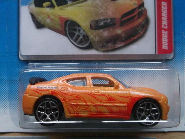 File:Dodge Charger SRT8.JPG