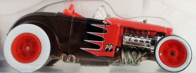 File:03-HOF Deuce Roadster red hubs clsrsz.JPG