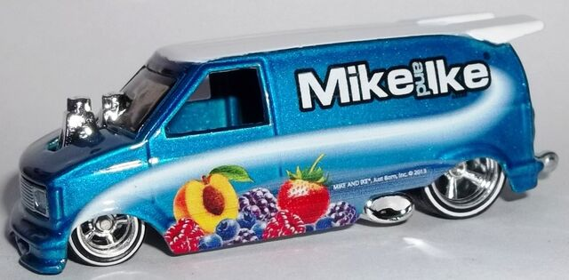 File:HW-2014-Just Born-'85 Chevy Astro Van-Mike and Ike.jpg