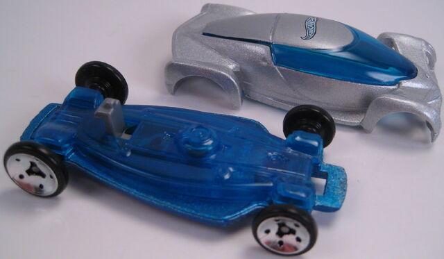 File:2002 Autonomy Concept car open.JPG