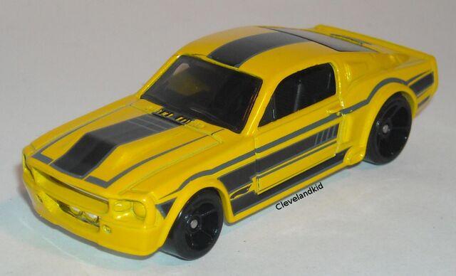 File:HW 67 Shelby GT-500 Yellow.jpg