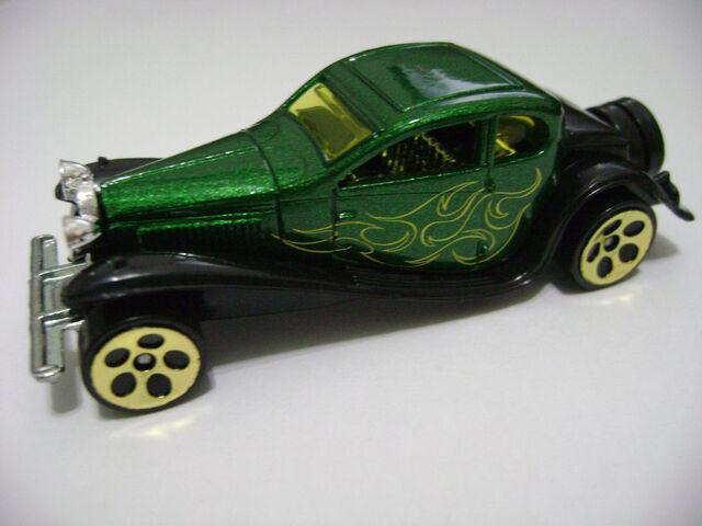 File:2006-'37 Bugatti.jpg
