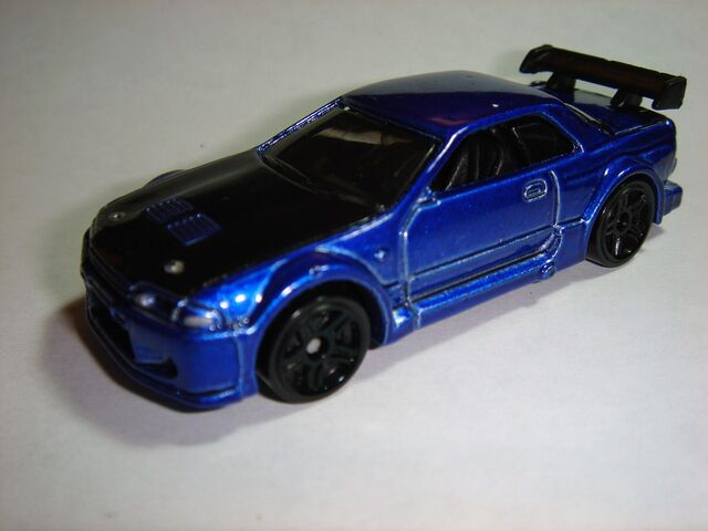 File:HW Nissan Skyline GT-R32.JPG