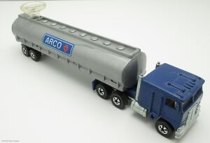 Kenworth Tanker-24678