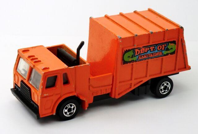 File:Trash Truck-1982 Hong Kong Base.jpg